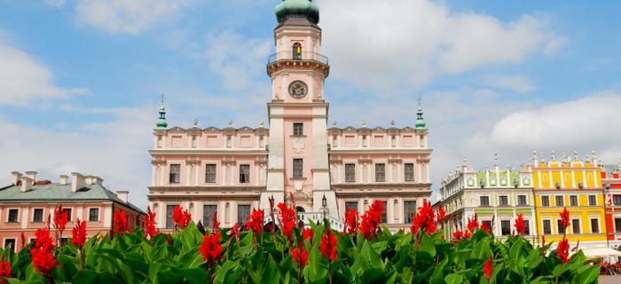 Renesansowy ratusz w Zamościu wraz z całym rynkiem wpisany jest na Listę Dziedzictwa Kulturowego UNESCO